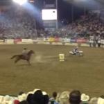 馬 vs. モトクロスバイク よーいドンで競争